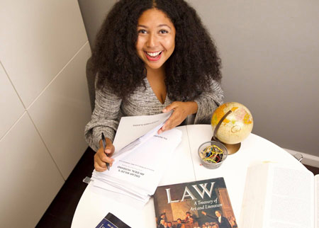 Visa Lawyer Elektra Yao